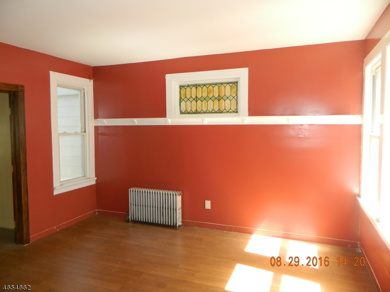 Additional photo for property listing at 15 Edgar Street  East Orange, Нью-Джерси 07018 Соединенные Штаты