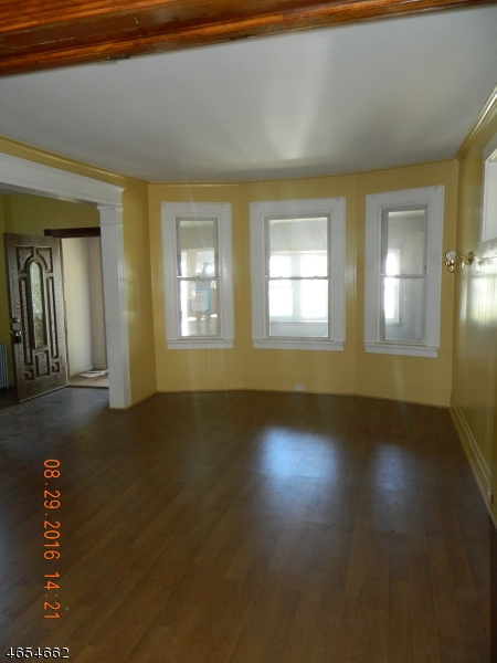 Additional photo for property listing at 15 Edgar Street  East Orange, Nueva Jersey 07018 Estados Unidos