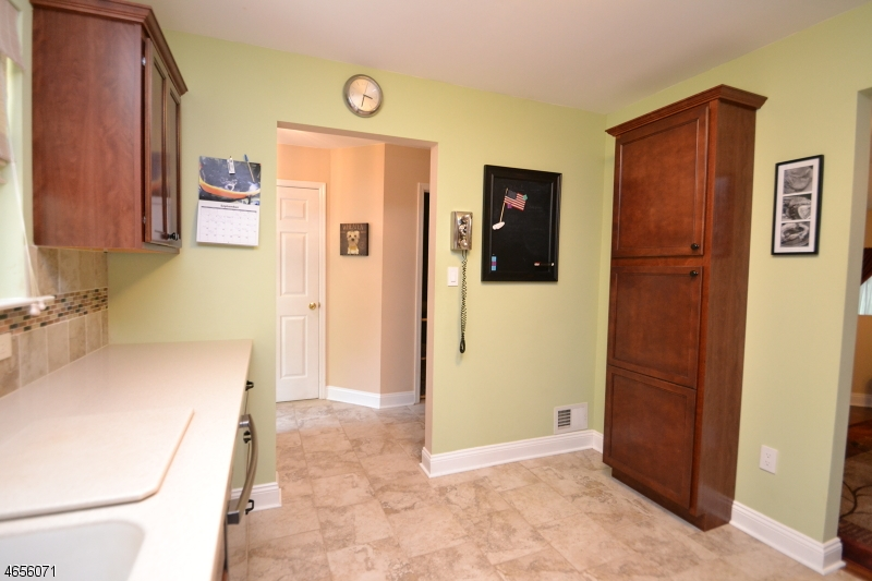Additional photo for property listing at 39 Hickory Way  Mount Arlington, Nueva Jersey 07856 Estados Unidos