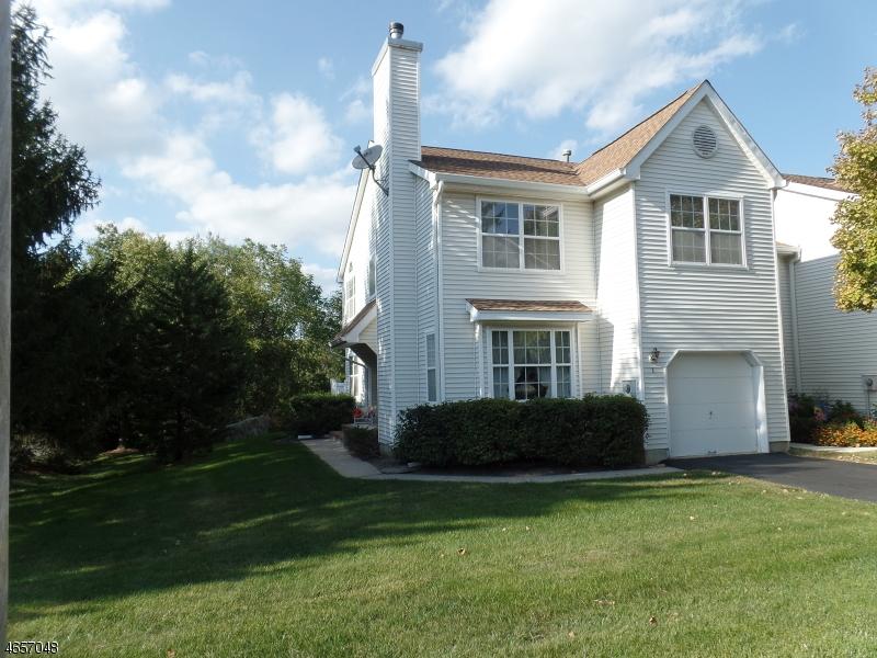 Частный односемейный дом для того Продажа на 1 Weatherhill Road Hamburg, 07419 Соединенные Штаты