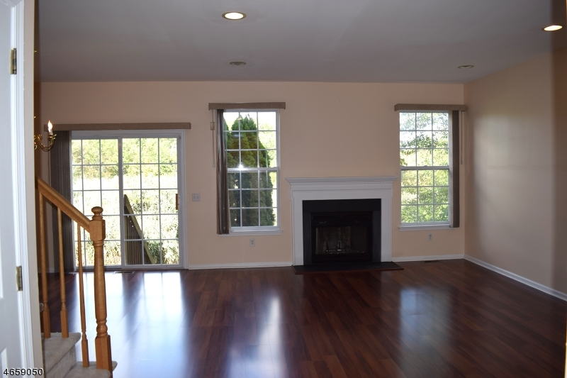 Additional photo for property listing at 28 Gordon Circle  Parsippany, New Jersey 07054 États-Unis