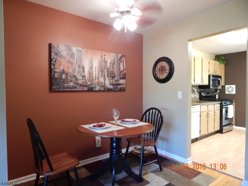 Additional photo for property listing at 37A Sandra Cir, Apt 3  Westfield, New Jersey 07090 United States
