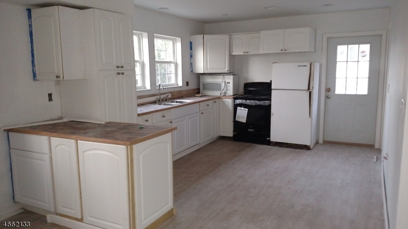 Additional photo for property listing at 7-A Byron Place  Sparta, New Jersey 07871 United States