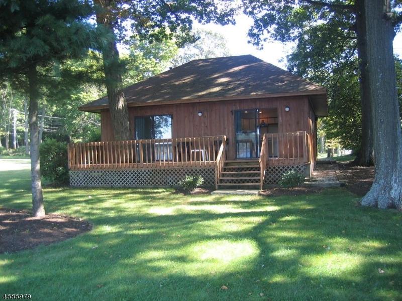 Частный односемейный дом для того Аренда на 51A MCGREGOR Avenue Mount Arlington, Нью-Джерси 07856 Соединенные Штаты
