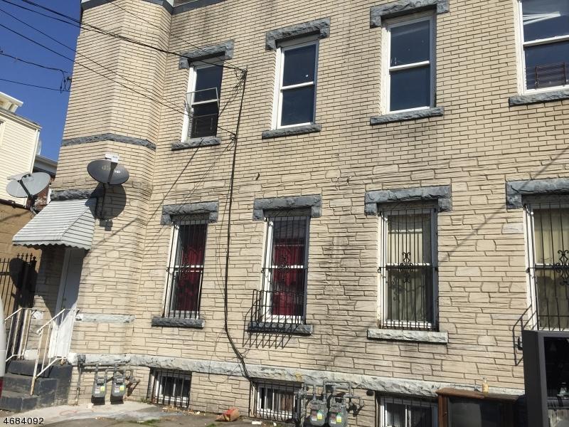 Частный односемейный дом для того Аренда на 253-255 COURT Street Elizabeth, Нью-Джерси 07206 Соединенные Штаты
