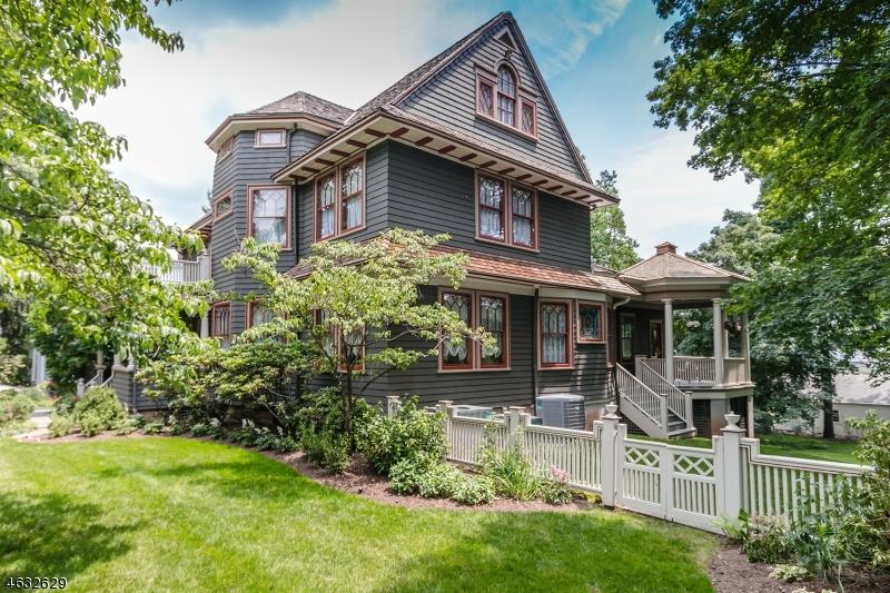 Casa Unifamiliar por un Venta en 242 Kimball Avenue Westfield, Nueva Jersey 07090 Estados Unidos