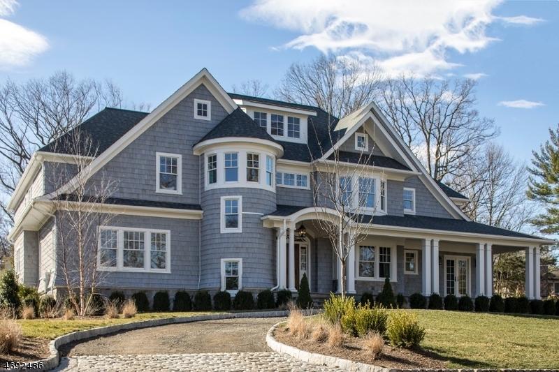 Частный односемейный дом для того Продажа на 22 Harvey Drive Millburn, 07078 Соединенные Штаты