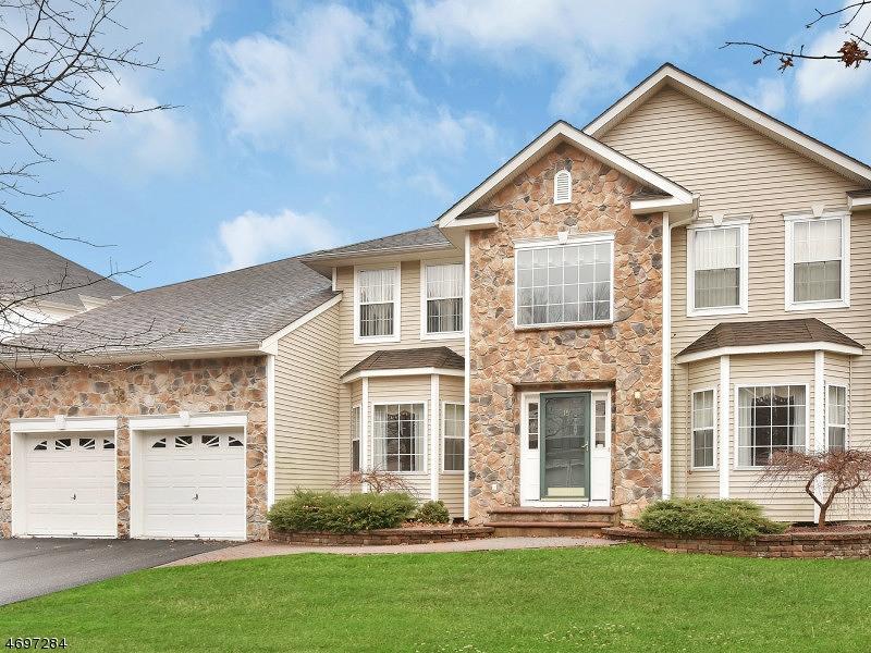 Maison unifamiliale pour l à louer à 15 HILL HOLLOW ROAD Lake Hopatcong, New Jersey 07849 États-Unis