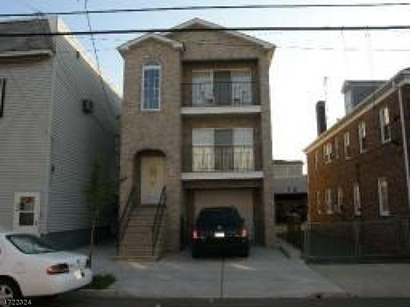 Vivienda multifamiliar por un Venta en 650 4th Avenue Elizabeth, Nueva Jersey 07202 Estados Unidos