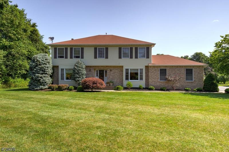 Nhà ở một gia đình vì Bán tại 1120 Van Arsdale Drive Branchburg, New Jersey 08853 Hoa Kỳ