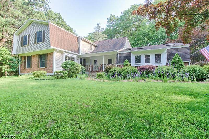 Частный односемейный дом для того Продажа на 61 Mountain Road Ledgewood, 07852 Соединенные Штаты