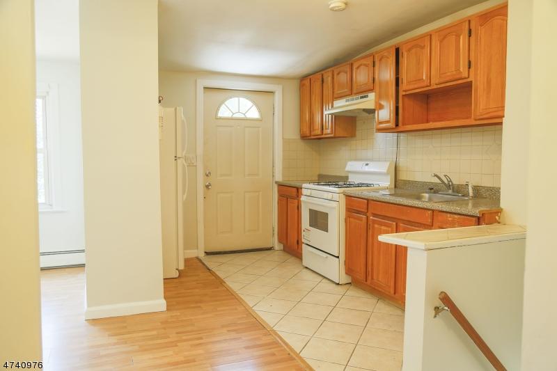 独户住宅 为 出租 在 16 Dod Place Hillside, 新泽西州 07205 美国
