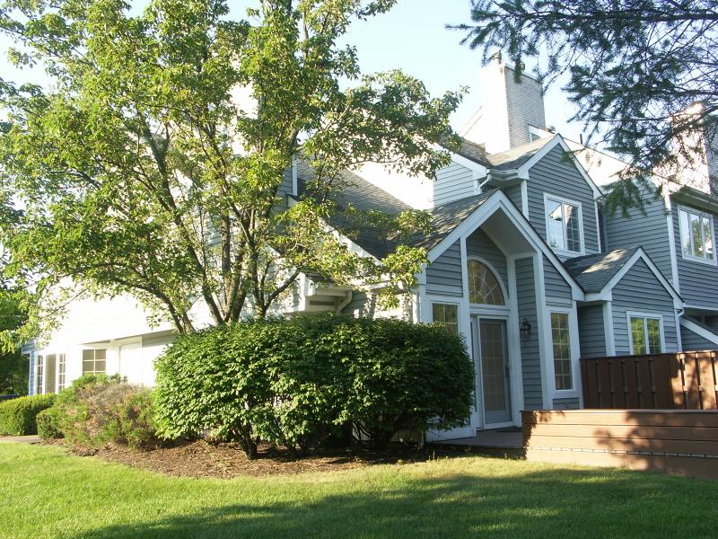 Частный односемейный дом для того Аренда на 52 VILLAGE Drive Montville, Нью-Джерси 07045 Соединенные Штаты
