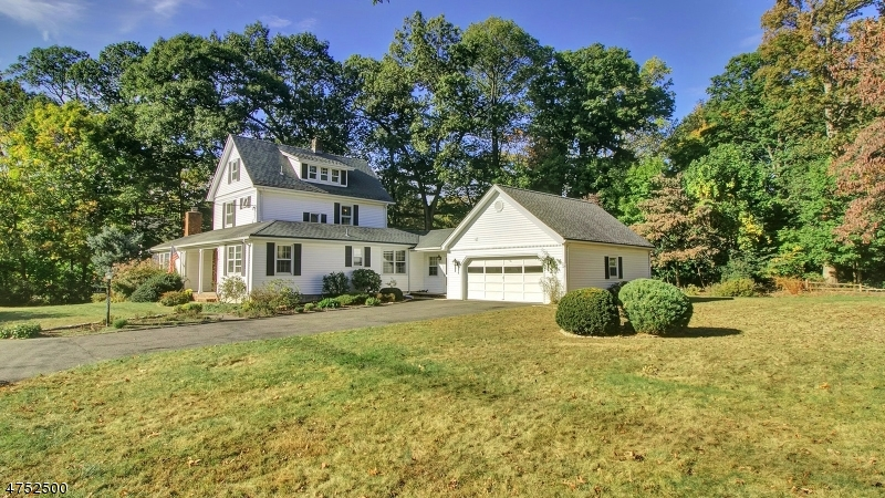 Additional photo for property listing at 32 New Street  Allendale, New Jersey 07401 United States
