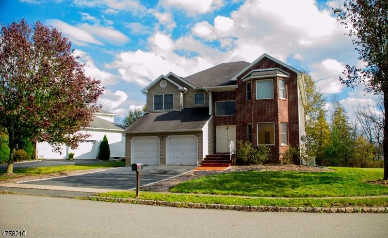 Casa Unifamiliar por un Alquiler en 5 Nicki Court Parsippany, Nueva Jersey 07054 Estados Unidos