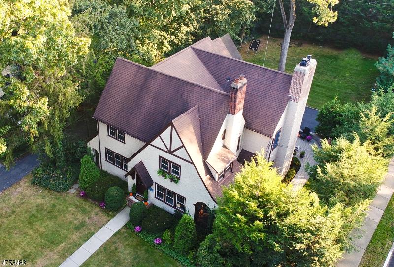 Maison unifamiliale pour l Vente à 150 Avondale Road Ridgewood, New Jersey 07450 États-Unis