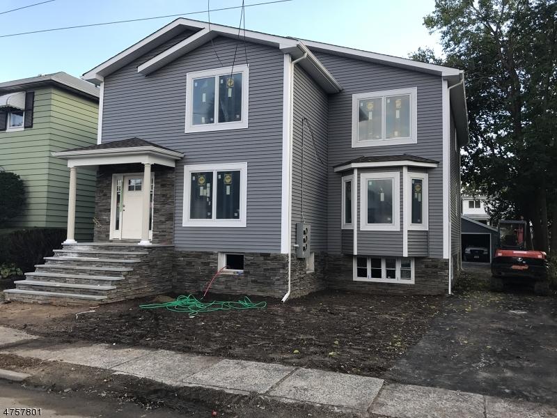 Maison unifamiliale pour l à louer à 228 Kipp Avenue Elmwood Park, New Jersey 07407 États-Unis