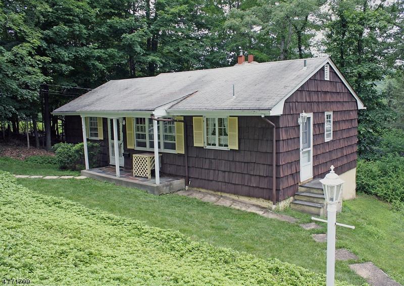 Casa Unifamiliar por un Alquiler en 480 E Shore Trail Byram Township, Nueva Jersey 07871 Estados Unidos