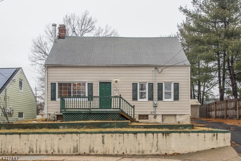 独户住宅 为 销售 在 1083 Sayre Road Union, 新泽西州 07083 美国