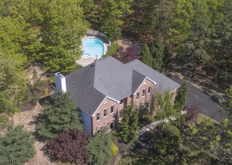 Maison unifamiliale pour l Vente à 39 Robbins Road Millstone, New Jersey 08510 États-Unis