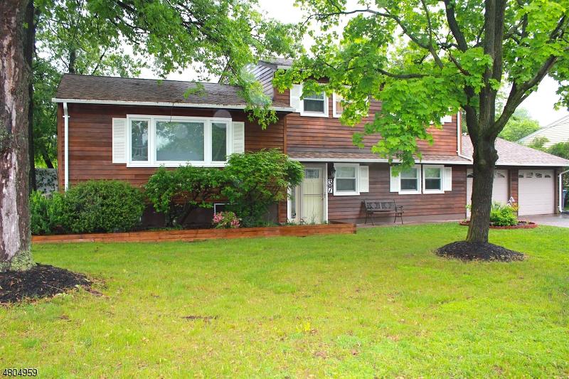 独户住宅 为 销售 在 37 HARVARD ROAD 克兰弗德, 新泽西州 07016 美国