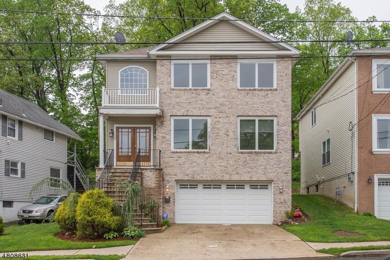 Частный односемейный дом для того Продажа на 15 WOODSIDE Avenue Haledon, Нью-Джерси 07508 Соединенные Штаты