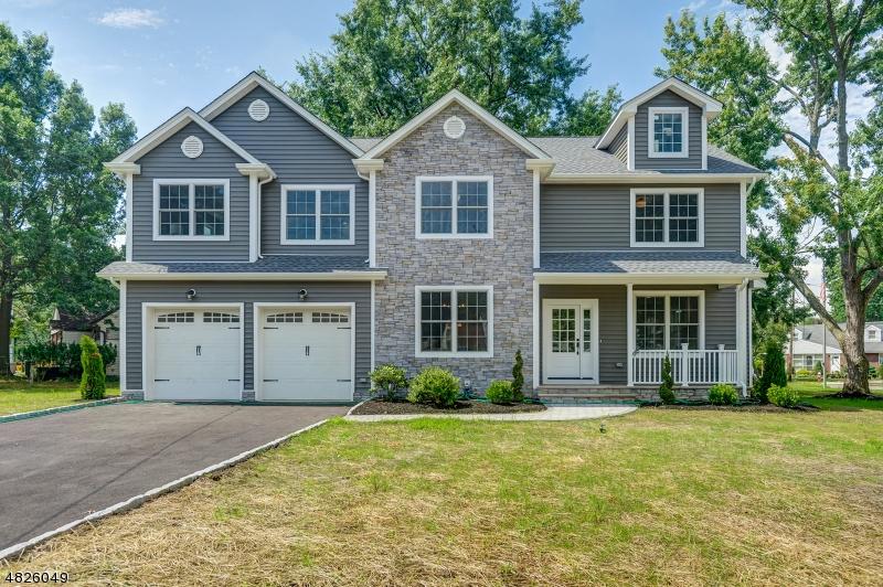 Maison unifamiliale pour l Vente à 991 PLEASANT Drive New Milford, New Jersey 07646 États-Unis