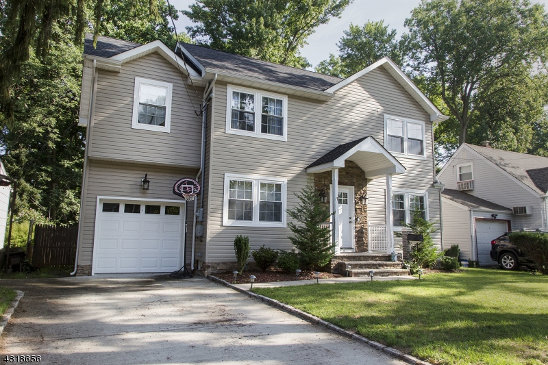 Single Family Home for Sale at 712 PINEWOOD Road Union, New Jersey 07083 United States