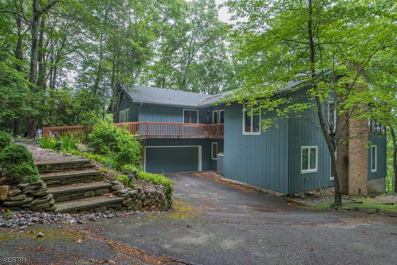 Casa Unifamiliar por un Venta en 614 MOUNTAIN Road Kinnelon, Nueva Jersey 07405 Estados Unidos