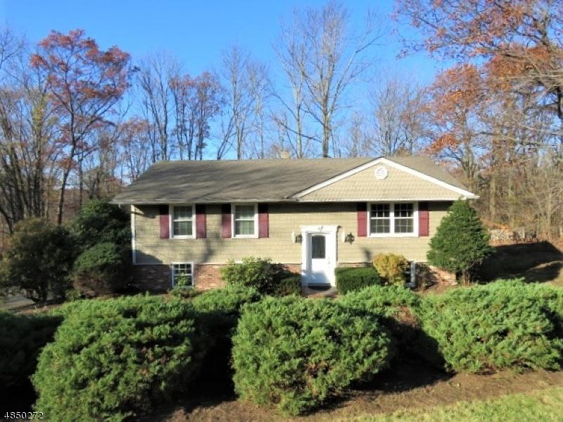 Μονοκατοικία για την Πώληση στο 4 HILLVIEW Court West Milford, Νιου Τζερσεϋ 07480 Ηνωμένες Πολιτείες