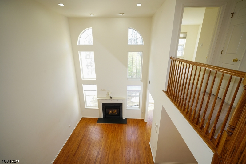 Additional photo for property listing at 4 CANNON Court  Bernards Township, New Jersey 07920 États-Unis