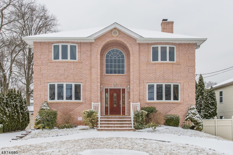 Single Family Home for Sale at 24 GROVE Avenue East Hanover, New Jersey 07936 United States