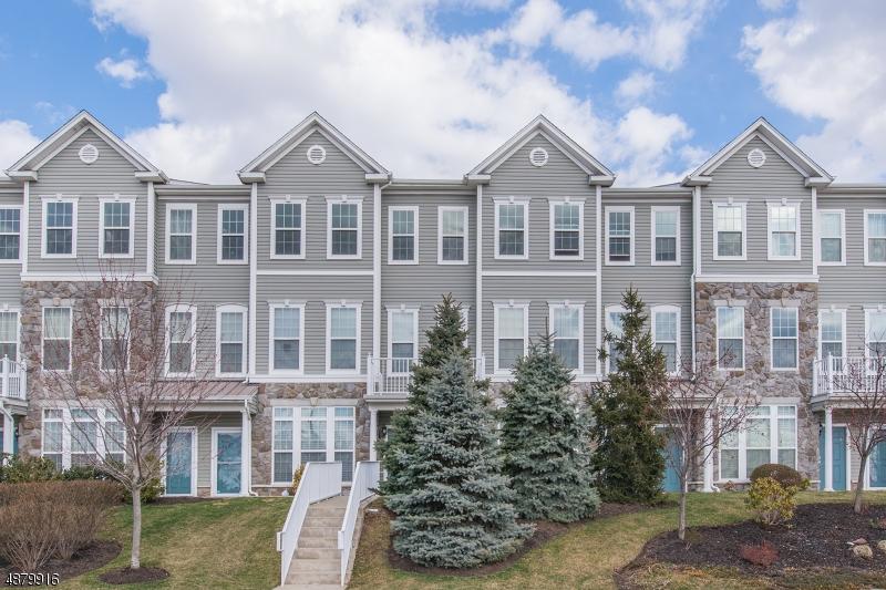 Кондо / дом для того Продажа на 15 ASTER Lane Garfield, Нью-Джерси 07026 Соединенные Штаты