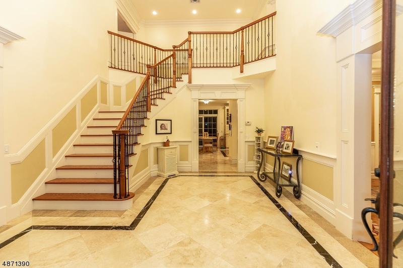 Частный односемейный дом для того Продажа на 28 COLUMBUS Avenue Closter, Нью-Джерси 07624 Соединенные Штаты
