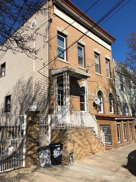 Multi-Family Home for Sale at Newark, New Jersey 07105 United States