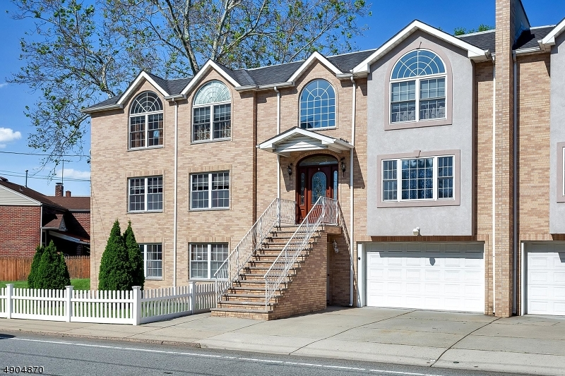 Condo / Townhouse for Sale at Lyndhurst, New Jersey 07071 United States
