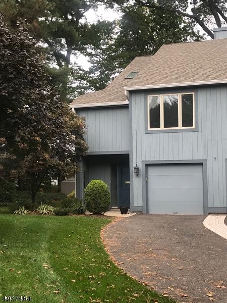 Condo / Townhouse pour l à louer à Glen Rock, New Jersey 07452 États-Unis
