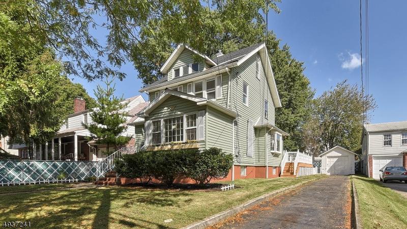 Single Family Homes för Försäljning vid Bogota, New Jersey 07603 Förenta staterna