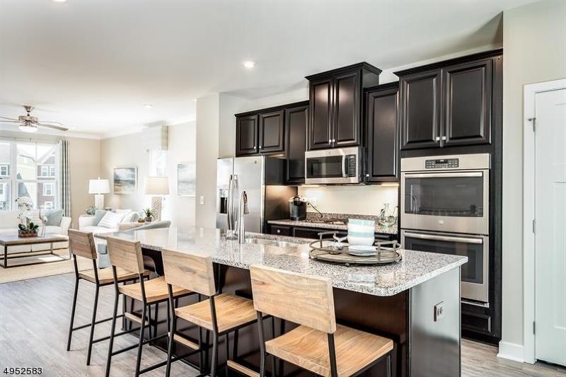 公寓 / 联排别墅 为 销售 在 Mount Olive, 新泽西州 07828 美国
