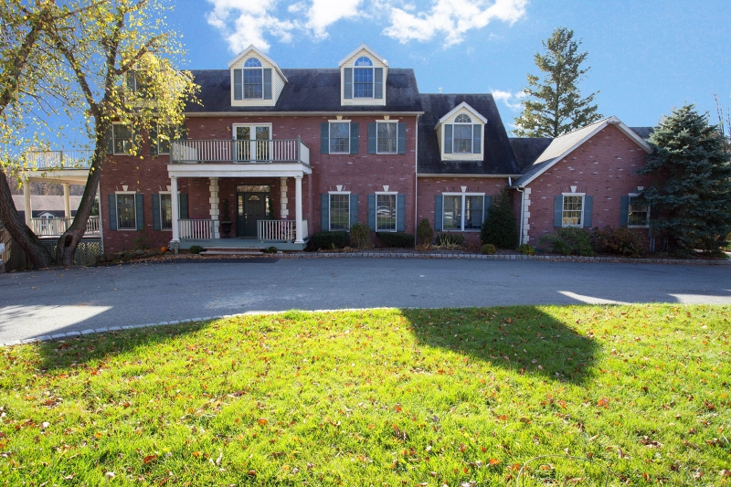 Additional photo for property listing at 88 Passaic Valley Road  Montville, New Jersey 07045 États-Unis