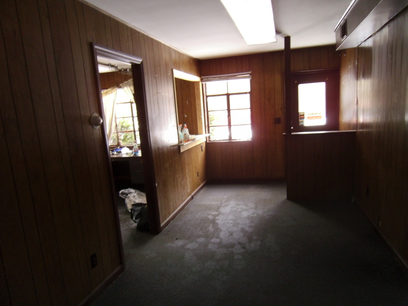 Additional photo for property listing at 685 State Highway 12  夫雷明顿, 新泽西州 08822 美国