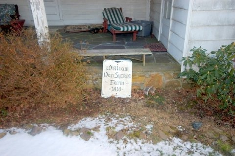 Additional photo for property listing at 21 County Road 635  Hampton, New Jersey 08827 États-Unis
