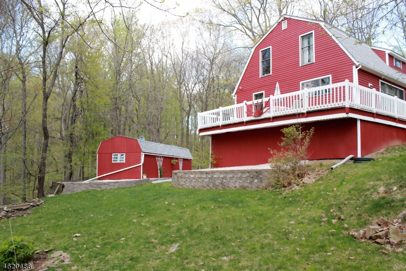 Additional photo for property listing at 114 Fox Farm Road  Phillipsburg, New Jersey 08865 États-Unis