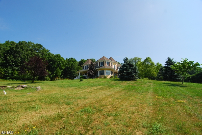 Additional photo for property listing at 121 Clove Road  Montague, Nueva Jersey 07827 Estados Unidos