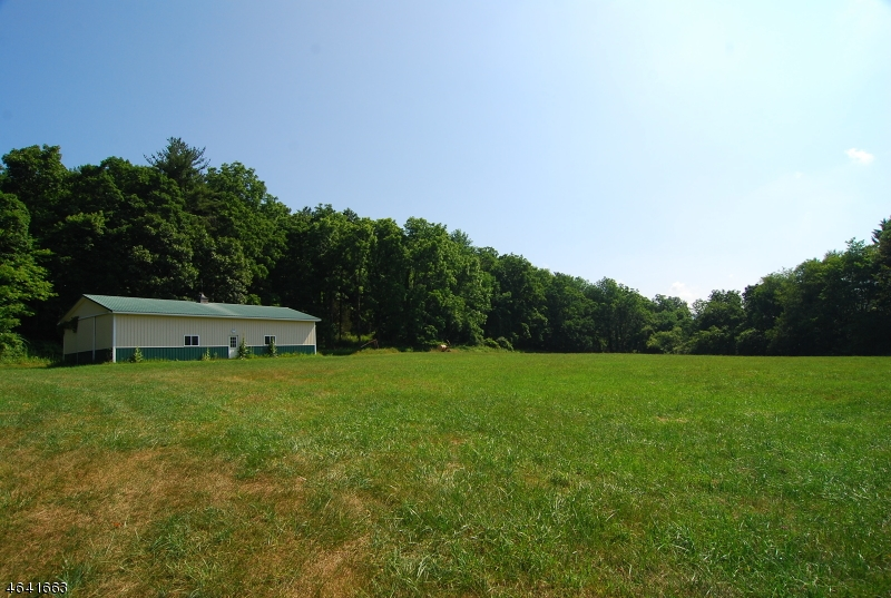 Additional photo for property listing at 121 Clove Road  Montague, New Jersey 07827 États-Unis