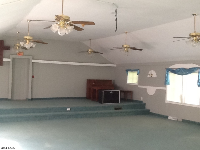 Additional photo for property listing at 42 Yates Avenue  Newton, New Jersey 07860 États-Unis