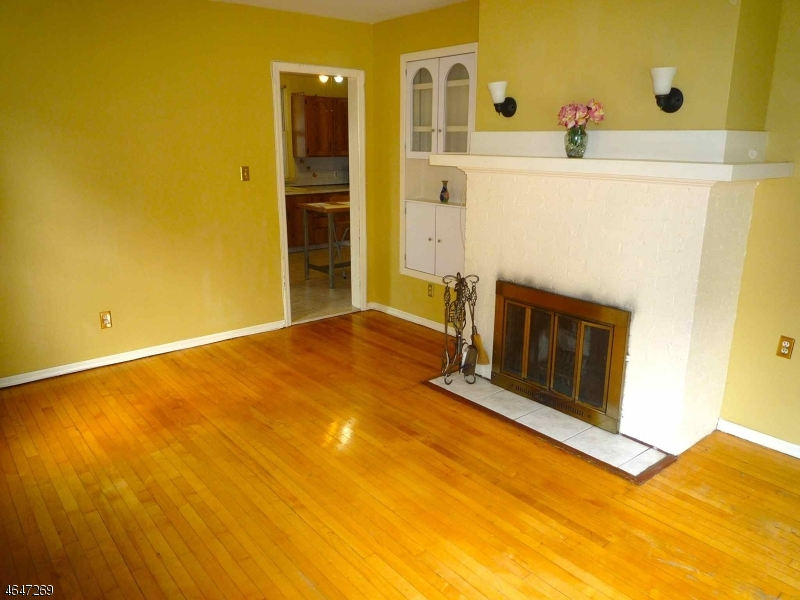 Additional photo for property listing at 48 Athenia Avenue  Clifton, New Jersey 07013 États-Unis