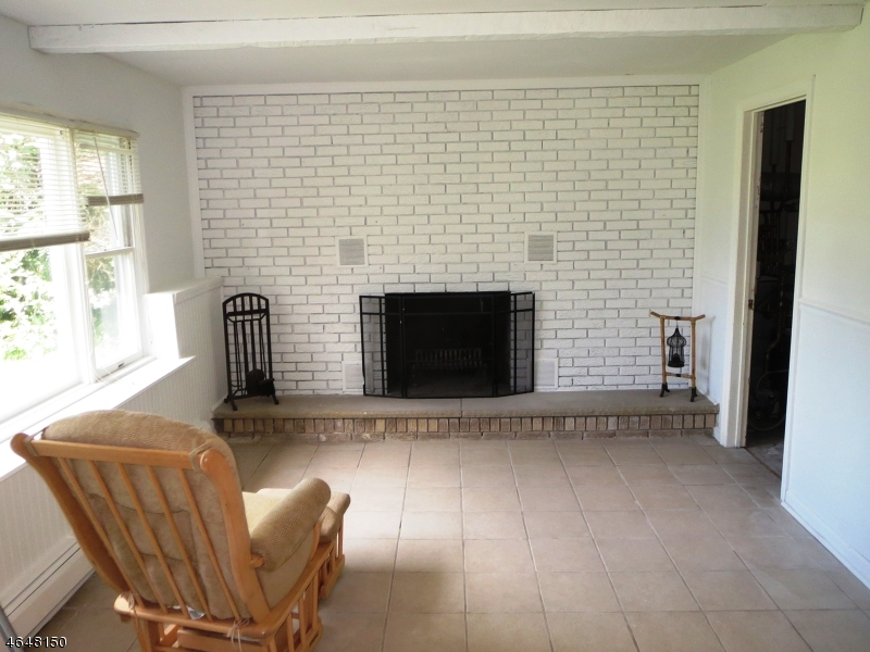 Additional photo for property listing at 10 Longport Road  Wayne, New Jersey 07470 United States
