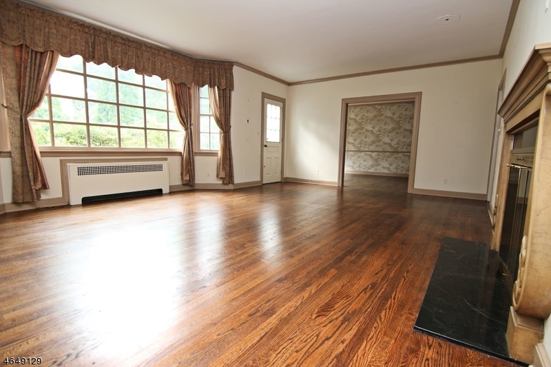 Additional photo for property listing at 20 Beverly Road  West Orange, New Jersey 07052 United States