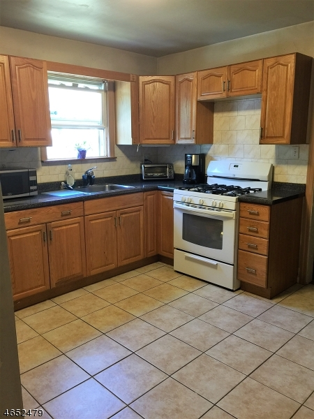 Additional photo for property listing at 710 Colonial Avenue  Union, New Jersey 07083 États-Unis